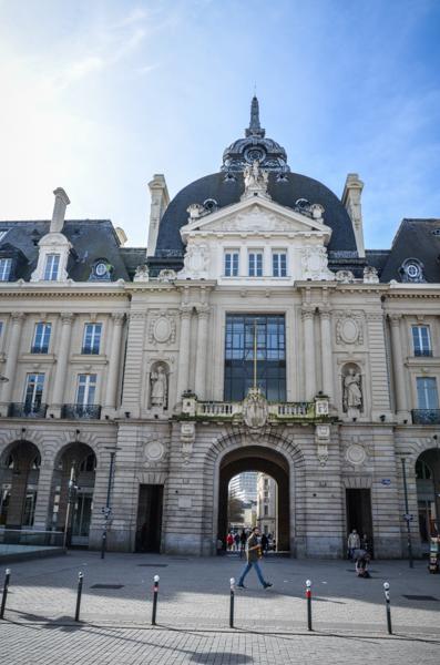 Palais du commerce république