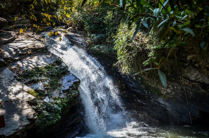 chiang-mai-alentours-cascade