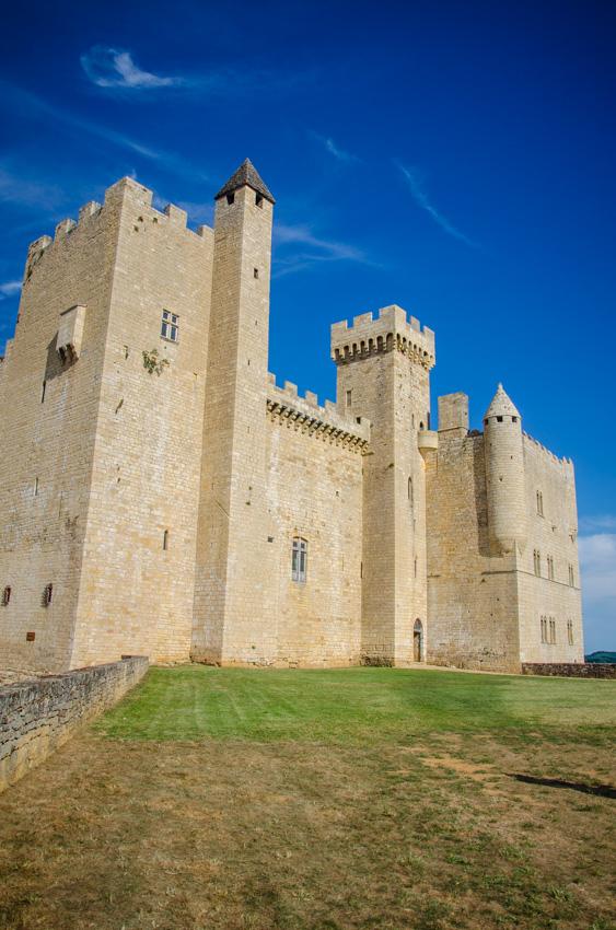 chateau beynac cazenac perigord