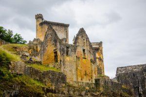 chateau de Commarque perigord