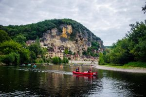 la Roque Gageac vue de l'eau